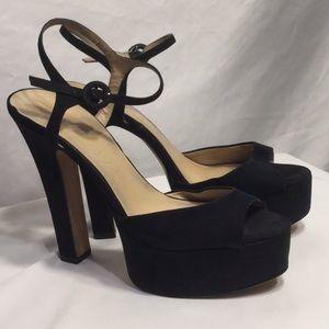 Shoes by Zara! Fabulous! Classic!💜